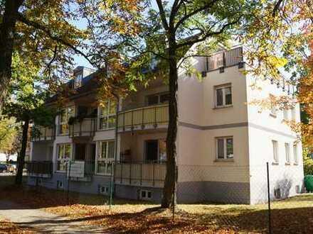 Helle geräumige 3 Zimmerwohnung im Ortskern von Eichwalde