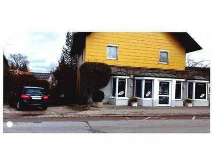 Einfamilienhaus mit Laden und mehreren Zimmern in Gilching, Kreis Starnberg