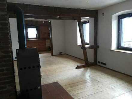 Günstige 4-Zimmer-DG-Wohnung in Iserlohn Zentrum