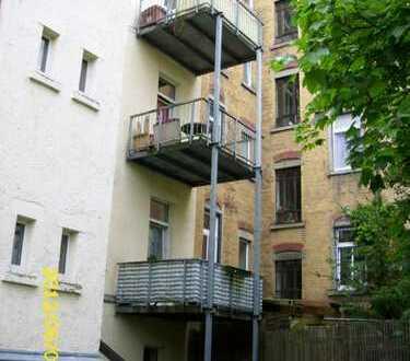 Single-Wohnung im charmanten Altbau