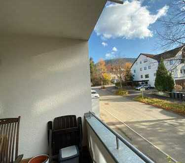 Exklusive, neuwertige 3-Zimmer-Wohnung mit Balkon und EBK in Pfullingen