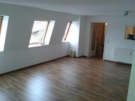 Vollständig renovierte klimatisiert DG Wohnung mit 2 Zimmern und Einbauküche in Schorheide Finowfurt