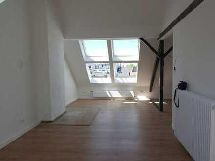 loftähnliches Wohnen, Derendorf, 2 Zimmer, 84 QM, DG ohne Aufzug