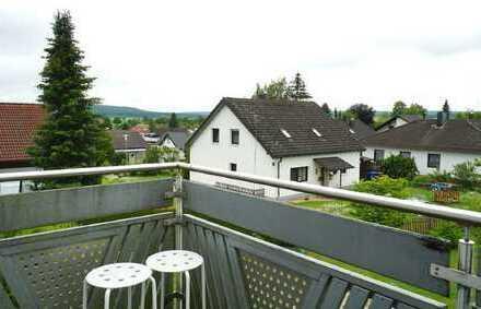 *** Bartholomä, gemütliche 3-Zimmer-DG-Wohnung mit Balkon in gepflegtem Wohngebiet***