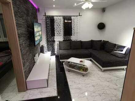 WG | Von Privat | Modern-Saniert | 1.OG. | 50m² | 2.ZKB | Süd/West Balkon | 8FH | Möbiliert*