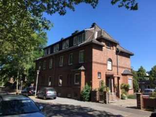 Schönes, geräumiges Haus mit fünf Zimmern in Krefeld, Dießem/Lehmheide
