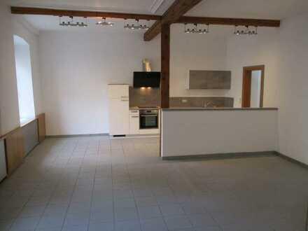 Geräumige 2-Zimmer-Wohnung mit Einbauküche in Bad Sobernheim