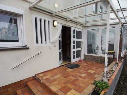 Preiswertes Haus - mit ein wenig Mühe strahlt es wieder in altem Glanz