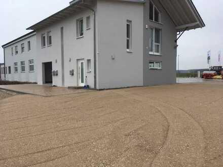 Schöne, geräumige fünf Zimmer Wohnung in Hemau Lkr. Regensburg