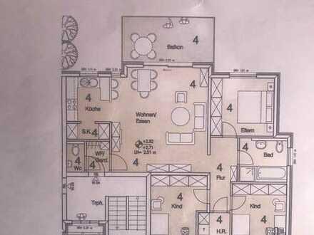 Hochwertige 4 Zimmer Wohnung in bester Lage in Lingenfeld