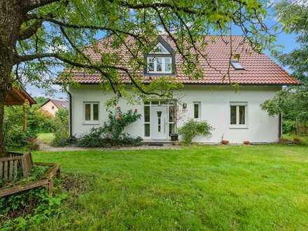 Ideal für Familien ! Wohnfreundliches Einfamilienhaus in guter Lage von Weingarten - Sofort Frei !