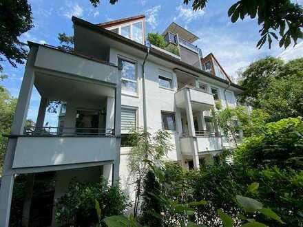 Helle & gepflegte 3 Zimmerwohnung (2 Ebenen) mit Terrasse und Balkon + Garage in Wiesbaden am Rhein!