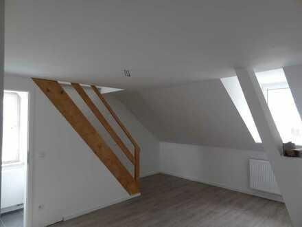 Exklusive 2-Zimmer-DG-Wohnung mit gehobener Innenausstattung in Augsburg