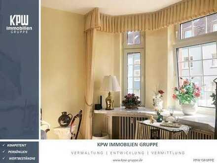 Großzügige und helle 3-Zimmer Wohnung im 1. Obergeschoss mit Wintergarten, Garage und Garten