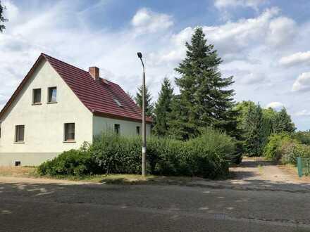 Idyllisches Einfamilienhaus mit Nebengelass auf großem Grundstück, Havelland Schollene