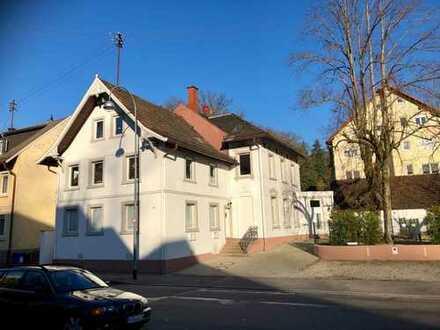 Hübsche Dachgeschoss-Wohnung in Baden-Baden, Lichtental