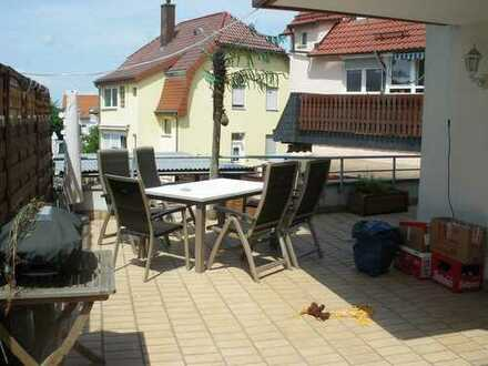Erdgeschoßwohnung mit großer Terrasse in Büchenbronn - Neubau Gabione als Sichtschutz in Arbeit!
