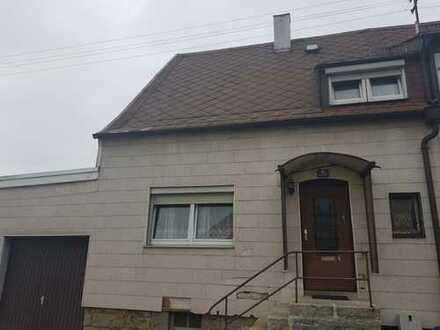 Renovierungsbedürftiges Einfamilienhaus in Wiesau zu verkaufen