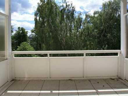 Super Lage am Stadtpark... Laminat... Balkon...