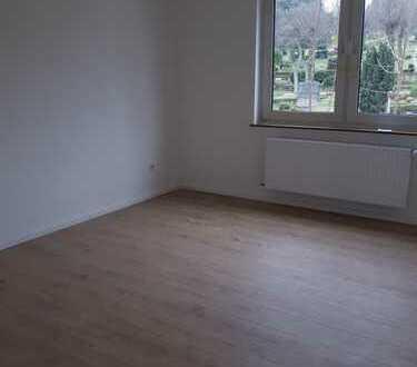 Helle Renovierte 1-Zi-Wohnung zu vermieten!