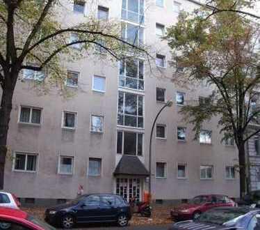 Schöne Wohnung in Tempelhof zu verkaufen (0605)
