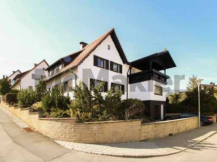 Ruhiger Familientraum: Vielseitiges Ein- bis Zweifamilienhaus mit schönem Garten und Balkon