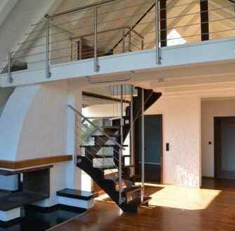 Natur - Ruhe - Citylage ... Modernisierte Galeriewohnung im 3- Familienhaus ....