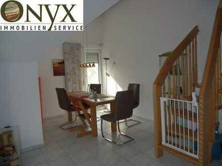 Helle Dachgeschosswohnung mit Galerie, Balkon, 2 Stellplätzen - Neue Eigentümergemeinschaft