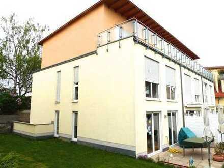 VERMIETET!!! Modernes REH, Friedrichsdorf direkt gegenüber King`s College FFM /2 Jahre befristet
