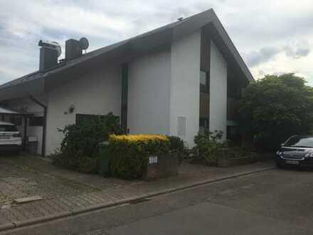 Großzügiges, freistehendes Einfamilienwohnhaus in Reilingen