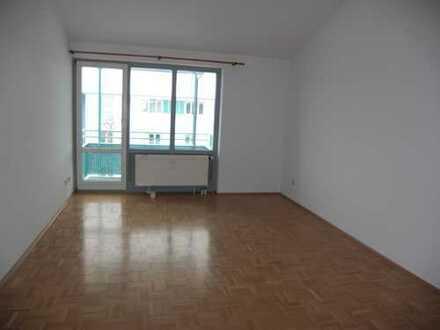 Exklusive, gepflegte 2-Zimmer-Dachgeschosswohnung mit Balkon und EBK in Höhenkirchen-Siegertsbrunn
