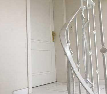 Lichtdurchflutete 3 Zimmer in repräsentativem Haus*opt. EBK*Stellplatz*Fußbodenheizung