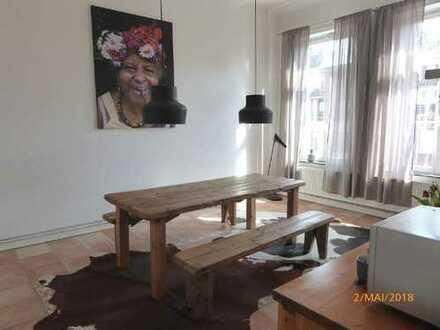 Schöne und renovierte 2-Zimmer-Wohnung mit Balkon in Bremen