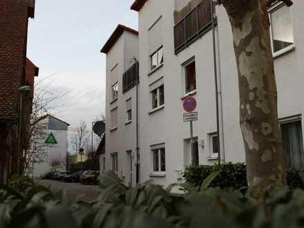 Schönes und gepflegtes 3-Zimmer-Reihenhaus mit Dachterrasse zur Miete in Altstadt/Innenstadt, Fürth