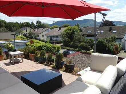 Wohnen wie im Urlaub - Individuelles Architektenhaus mit ELW und Panoramablick