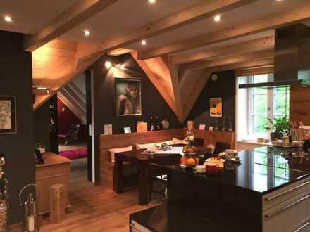 *Luxuriös und stilvoll saniertes Mehrfamilienhaus in zentraler Lage von München*