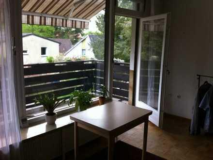 1-Zimmer-Wohnung im Grünen Berlins mit Balkon und Einbauküche in Wannsee (Zehlendorf), Berlin