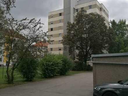 Sanierte 3-Raum-Wohnung mit Balkon in Regensburg