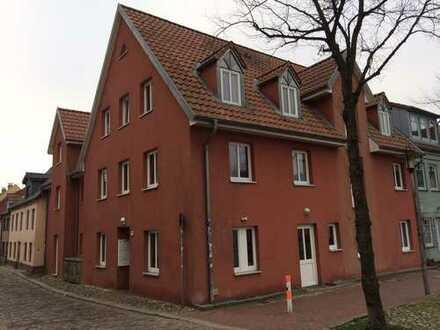 Schön zentral und großzügig 4 Zimmer mit Wohnberechtigungsschein !