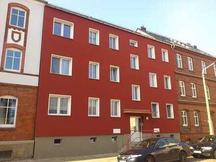 Helle, modernisierte 2-Zimmer Wohnung mit Balkon