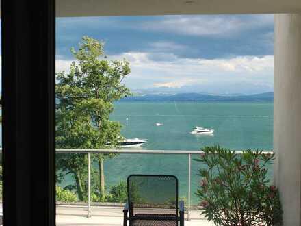 Exklusive möblierte Penthouse Wohnung auf einem exponiertem Seegrundstück mit privatem Badestrand