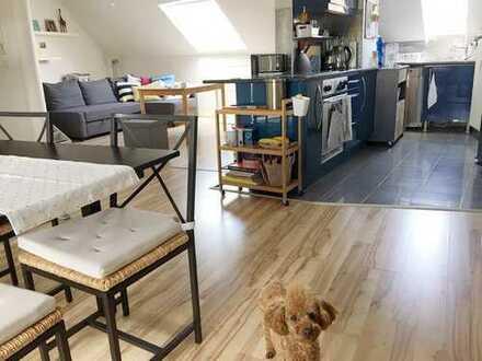 Helle 2-Zimmer-DG-Wohnung mit Terrasse und EBK in Rödermark