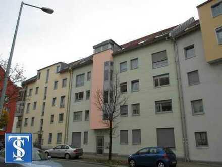 schöne vermietete 2-Zimmer-Erdgeschoss-ETW mit Terrasse, Stellplatz und Garten in Plauen