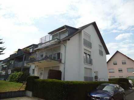 Drei Zimmer Wohnung in Rodgau-Dudenhofen mit Empore