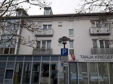 Erstbezug nach Sanierung: ansprechende 2-Zimmer-Wohnung mit Balkon in Neutraubling