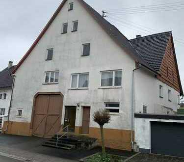 Bauernhaus Baujahr ca.1900, 2 Gewölbekeller, grosse Scheune,Dach 1989 erneuert