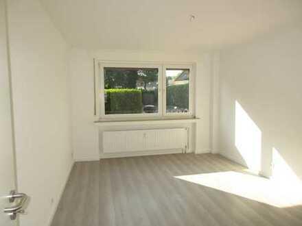 **Frisch renovierte 3-Raum Whg. mit kleiner Terrasse**