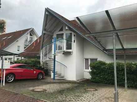 Nur 7 km zum VW-Werk! B) DG-Wohnung in ruhiger Wohnsiedlung, SO-Balkon, inkl. Stellplatz