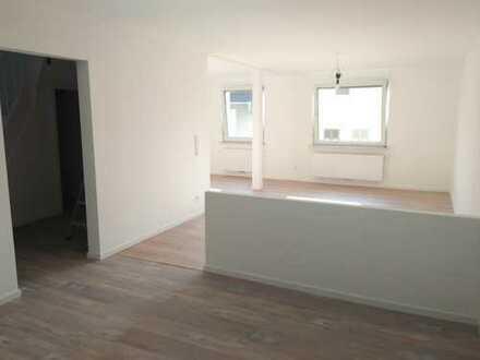 Helle, sanierte 3-Zimmer-Wohnung mit großem Balkon in Ginsheim