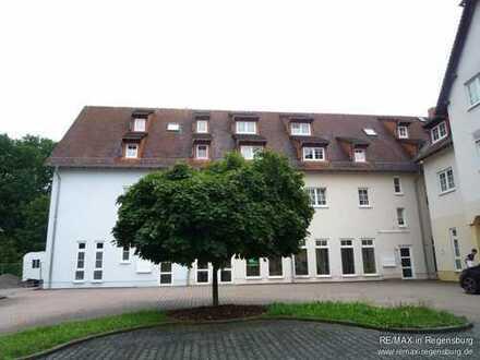Büro/ Praxis/ Ladeneinheit in Werdau  2 teilig - 158 m² vermietet u. 197 m² frei